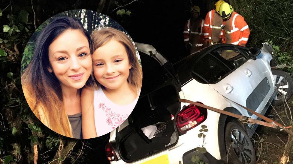 Cómo Snapchat salvó a una madre y su hija tras sufrir un accidente de tráfico
