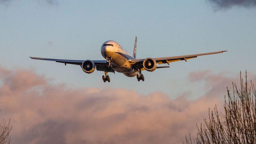 """Qué son los vuelos """"con ciudad oculta"""" y por qué las aerolíneas no quieren que los uses"""