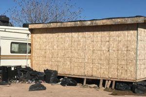 Encuentran 67 indocumentados en una caseta de madera de Nuevo México