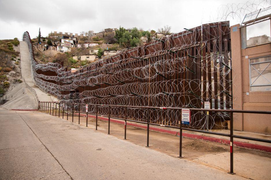 Demolerán prototipos del muro de Trump para construir valla fronteriza