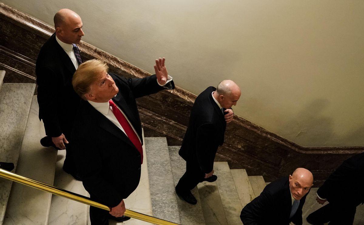 Trump camino a su discurso en el Congreso