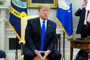 """Trump apoya idea de Ted Cruz de construir muro con dinero de """"El Chapo"""""""