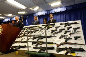 Autoridades federales asestan golpe a las pandillas Vineland Boys y Florencia 13 en Los Ángeles