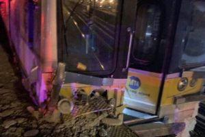 3 muertos después de que dos trenes se estrellaran contra un vehículo en NY