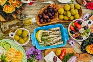 La dieta de la longevidad: Qué comer para vivir más, con salud y tener el peso ideal