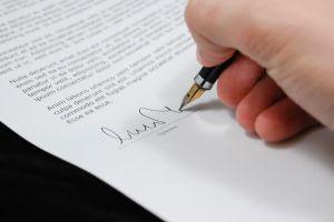 Esto debes de saber antes de firmar un contrato con alguna empresa