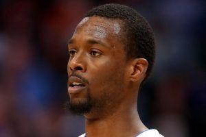Jugador fue traspasado en pleno partido de la NBA y LeBron James explotó