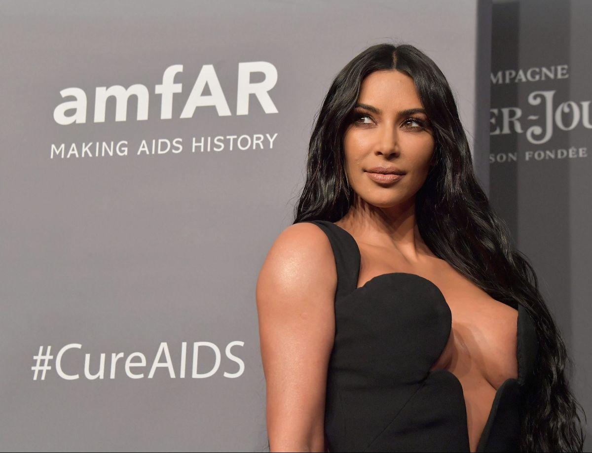 4 productos de la rutina de skincare de  Kim Kardashian para lucir una piel hermosa y joven