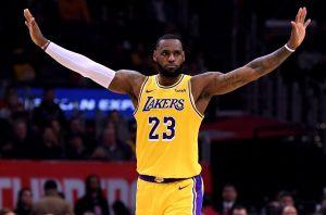 ¡Recupera el trono! LeBron James vuelve a ser el número 1 en venta de jerseys