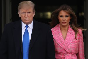 Melania se roba el show en la Casa Blanca y no por su atuendo colo rosa