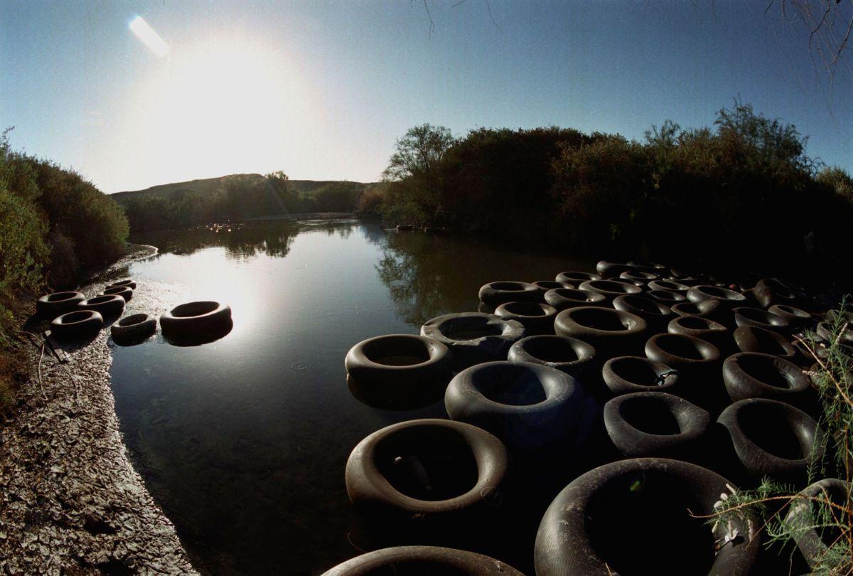 Foto de archivo del río en el área fronteriza de Calexico.