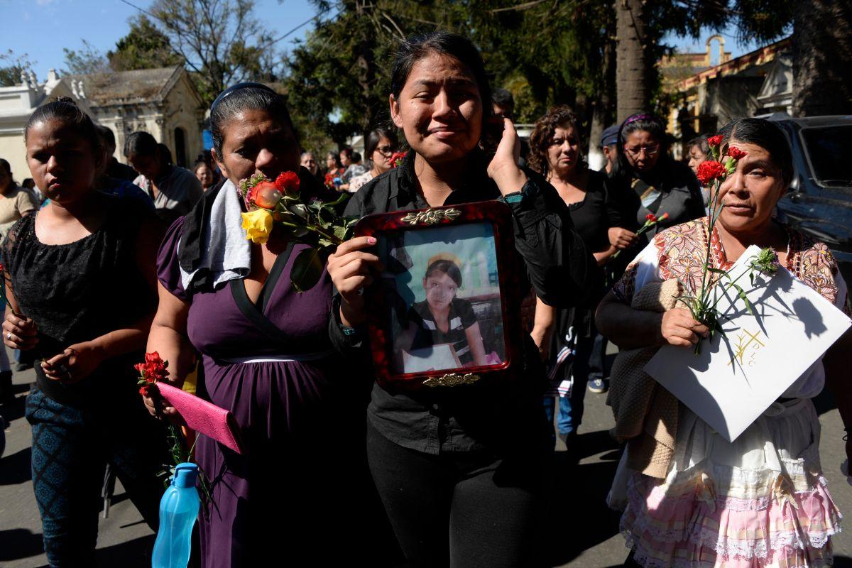 NYT: La policía se negó a abrir la puerta en el incendio que mató a 41 niñas en Guatemala