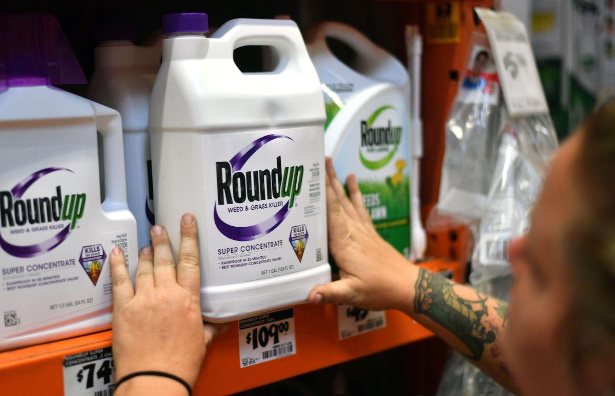 La Oficina de Evaluación de Peligros Ambientales para la Salud (OEHHA) de California declaró en el 2017 que el glifosato, componente del herbicida multiventas Roundup de la empresa Monsanto, pasaría a engrosar la lista de productos causantes de cáncer.