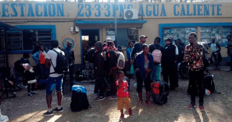Policía de Guatemala rescata a 71 indocumentados, la mayoría haitianos