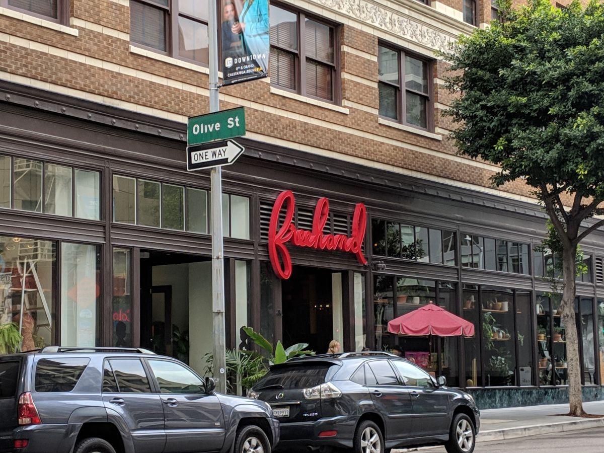El hotel Freehand esta localizado en el centro de Los Ángeles sobre la Calle 8, entre la Olive y Hill. (Jacqueline García)