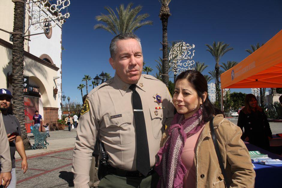 Amenazan de muerte al Sheriff de Los Ángeles por su postura proinmigrante