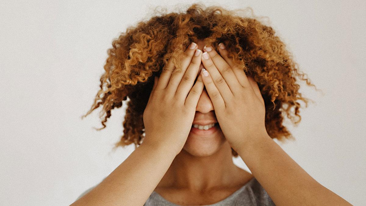 El ser tímido o un poco retraído no debería ser obstáculo para avanzar en tu carrera.