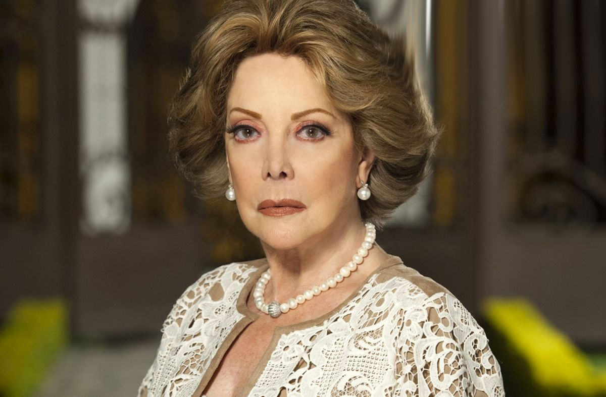 Jacqueline Andere podría perder su exclusividad con Televisa y quedar fuera