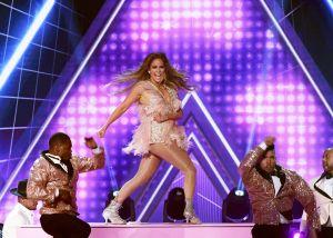 Jennifer López defiende su tributo a Motown en los Grammy tras críticas