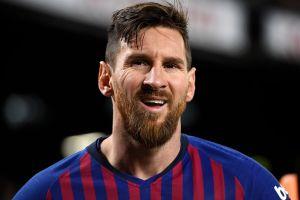 Te impresionará este truco que Lionel Messi hizo con una botella de Pepsi
