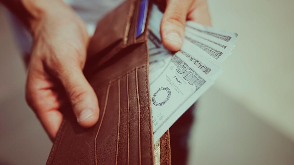 Prestar dinero a un familiar es diferente  a dárselo a cualquier otra persona.