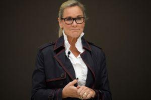 Angela Ahrendts deja Apple después de ventas decepcionantes del iPhone