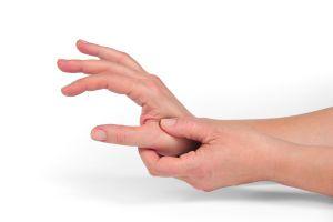 ¿Trabajas con las manos y te duelen? Conoce los síntomas de la tendinitis de mano y cuáles son sus causas