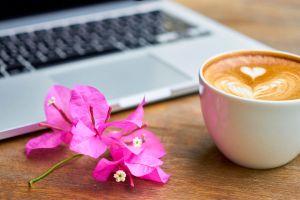¿Es buena idea tener un romance en la oficina?