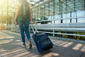 Errores al viajar que podrían costarte mucho dinero