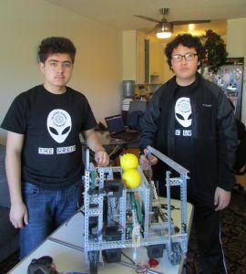 Con todo en contra, pequeños genios de la robótica buscan ganar competencia