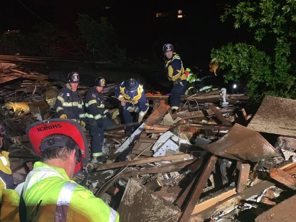 Mujer rescatada después de un deslizamiento de tierra en la Bahía de San Francisco