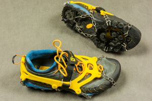 Las 5 mejores cadenas de tracción para tus zapatos que te ayudan a caminar seguro sobre la nieve