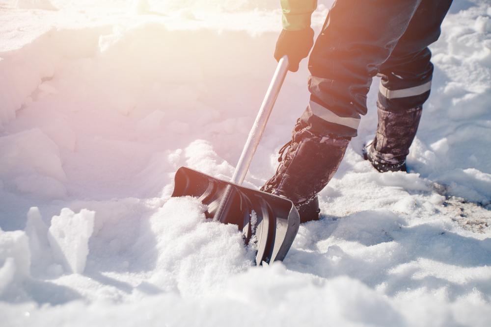 Las 5 mejores palas para quitar la nieve y el hielo de tu patio