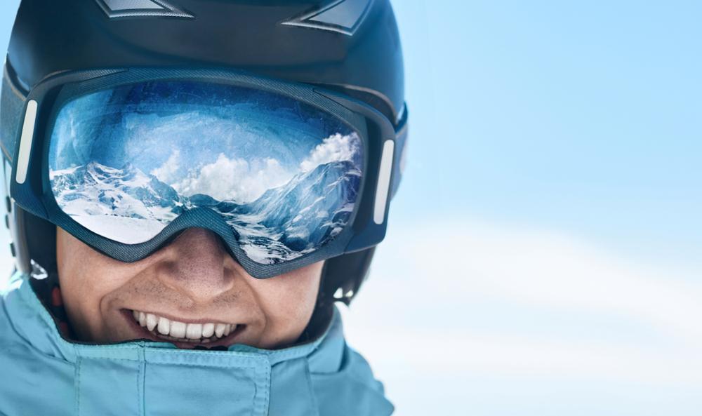 Los 4 mejores lentes para esquiar por menos de $40