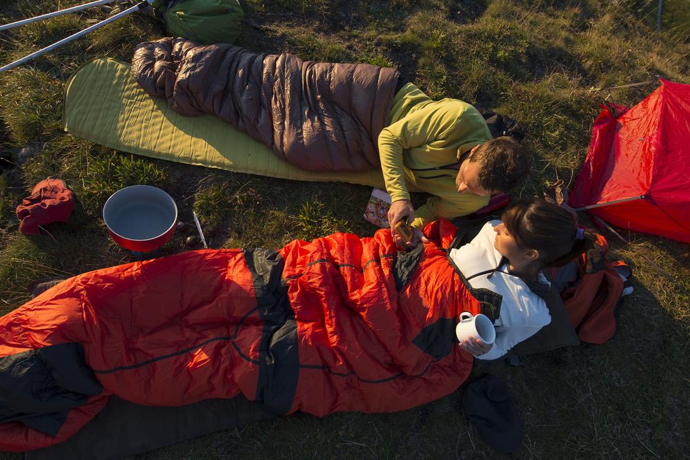 Los 5 mejores sleeping bags térmicos que debes tener para ir de camping en temporada de frío