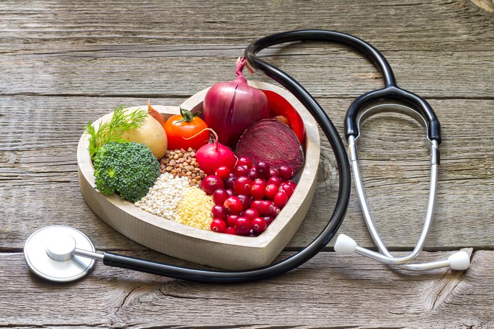 Conce las principales recomendaciones alimenticias para cuidar y proteger la salud cardiovascular.
