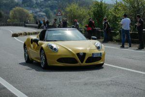 El Alfa Romeo 4c Spider nos deslumbra con todo su estilo y potencia (VIDEO)