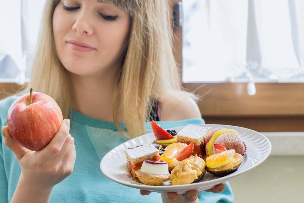 La alimentación se relaciona directamente con la inflamación, descubre los alimentos que la causan y aprende a tomar desiciones más saludables.