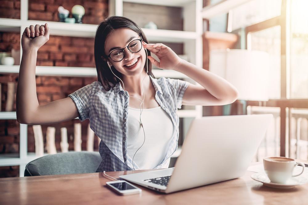 Los 3 mejores auriculares marca Samsung para escuchar música mientras trabajas