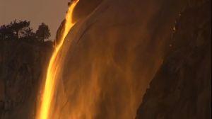 """Este impresionante fenómeno de """"caída de fuego"""" regresa al Parque Nacional Yosemite"""