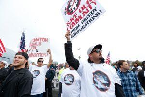 'No a los robots', dicen los trabajadores del puerto de Los Ángeles