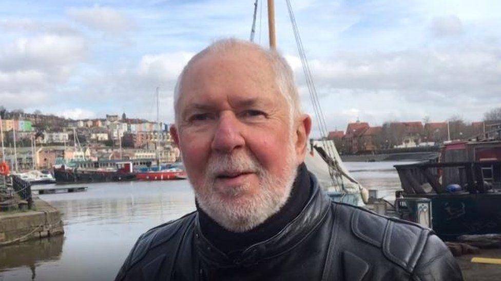 """Hombre que salió del clóset a los 68 años: """"No pierdan el tiempo como hice yo"""""""