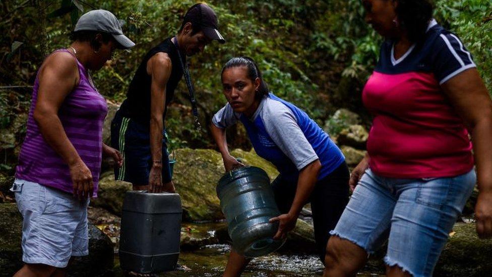 Tras el apagón en Venezuela, ahora la desesperada búsqueda de agua