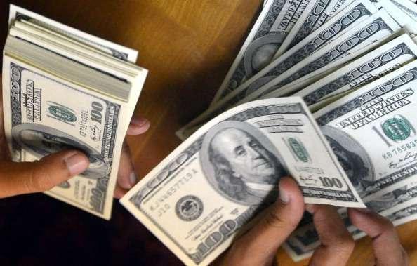 Tres acusadas de robar más de $1 millón en ayuda estudiantil para alumnos que no fueron a la escuela