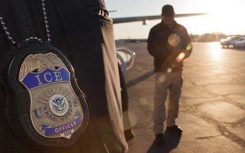 Miles de inmigrantes se creían a salvo. Ahora ICE los va a capturar por un cambio de Trump