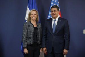"""Polémico acuerdo entre EEUU y Centroamérica para """"detener la crisis en la frontera"""""""