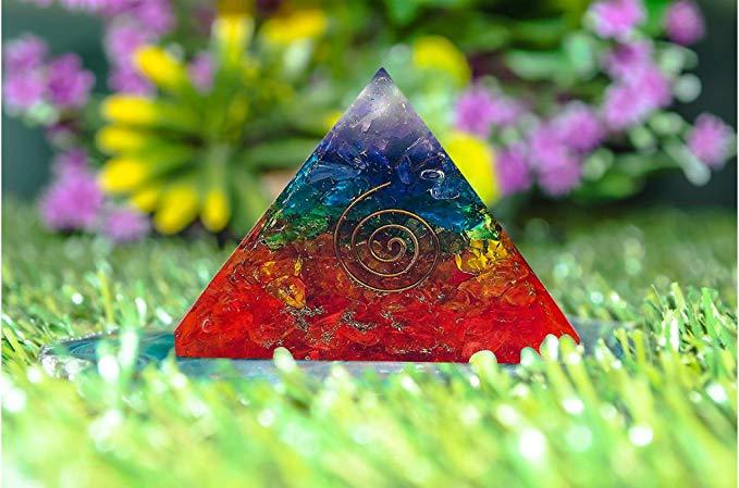 5 pirámides de piedras semi preciosas para purificar las energías de tu hogar