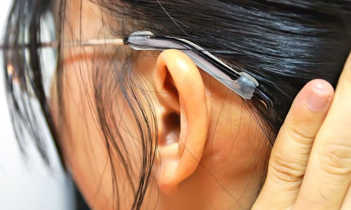 5 protectores antideslizantes para que no se te caigan los lentes mientras los usas
