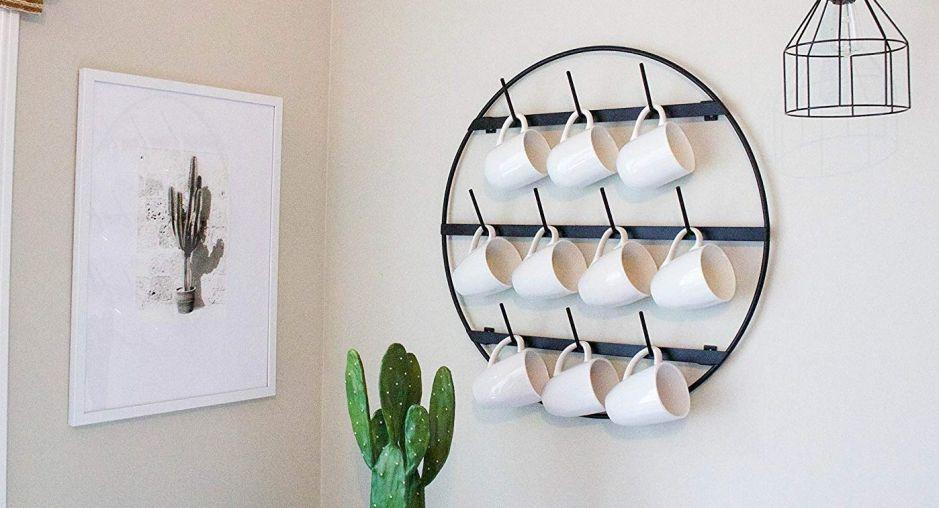 5 organizadores de tazas de café para ahorrar espacio en tu cocina