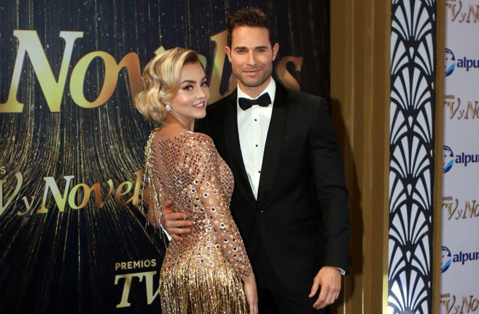 Sebastián Rulli fue el culpable del vestido al revés de Angelique Boyer